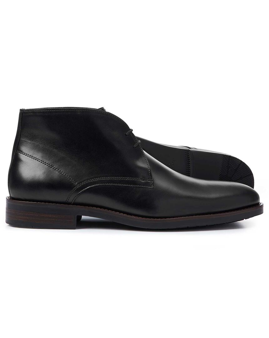 Black performance chukka boots