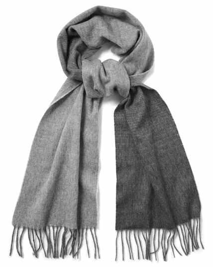 Schal aus Lammwolle mit Farbverlauf in Grau