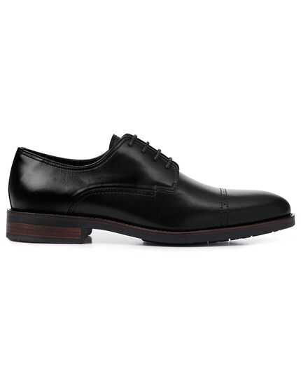 Black performance Derby toe cap shoes