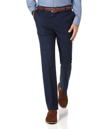 Pantalon bleu marine slim fit en tissu stretch sans repassage