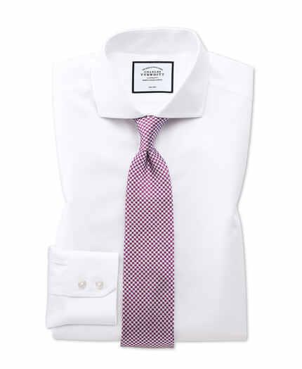 Bügelfreies Classic Fit Twill-Hemd mit Haifischkragen in Weiß