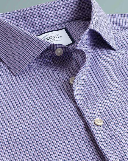 Bügelfreies Slim Fit Business-Casual-Hemd mit moderner Struktur und Hahnentrittmuster in Flieder