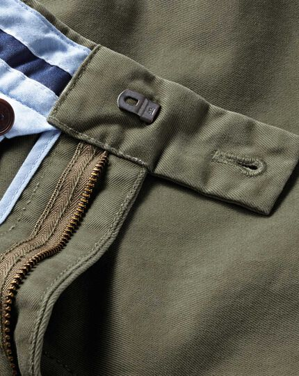 Olive classic fit single pleat chinos