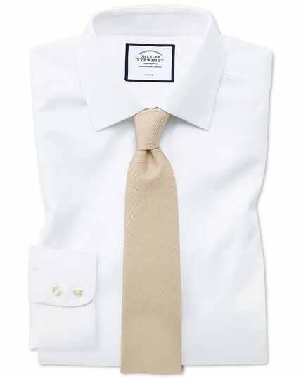 Bügelfreies Slim Fit Hemd aus Triangle Gewebe in Weiß