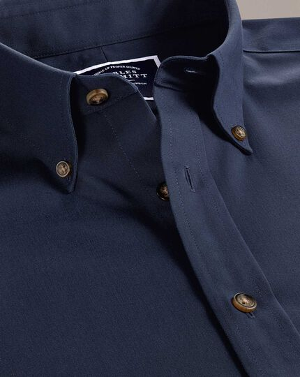 Bügelfreies Slim Fit Twill-Hemd in Marineblau