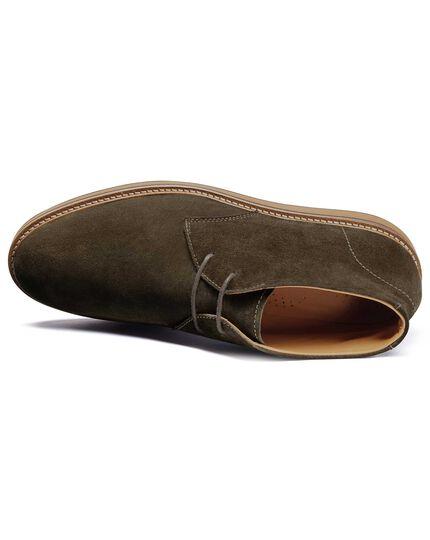 Leichte Chukka Stiefel aus Veloursleder in Olivgrün