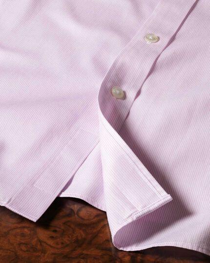 Bügelfreies Slim Fit Hemd mit Haifischkragen in Rosa mit Mouliné-Streifen