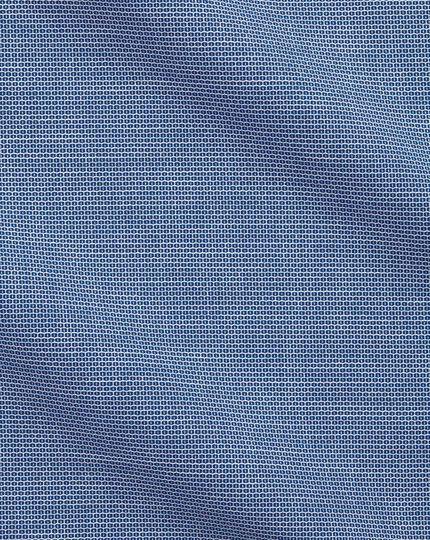 Bügelfreies Classic Fit Business-Casual Hemd mit Semi-Haifischkragen in modernem Strukturgewebe mit Waffelmuster in Königsblau