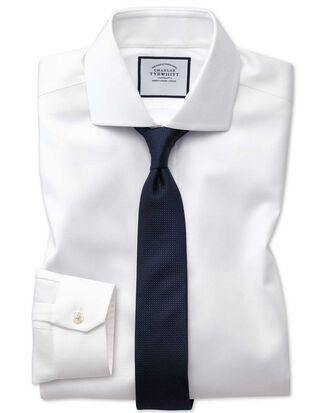 Bügelfreies Super Slim Fit Oxfordhemd mit Stretch und Haifischkragen in Weiß