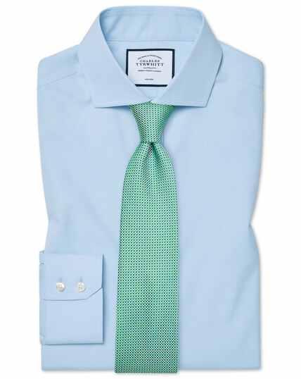 Hemelsblauw, strijkvrij natuurlijk fris overhemd met cut-away kraag en extra slanke pasvorm