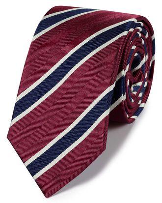 Klassische Krawatte aus Seide mit traditionellen Streifen in Rot und Marineblau