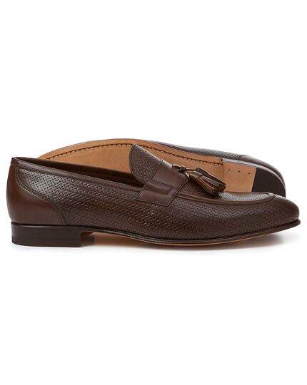 Chocolate textured tassel loafers