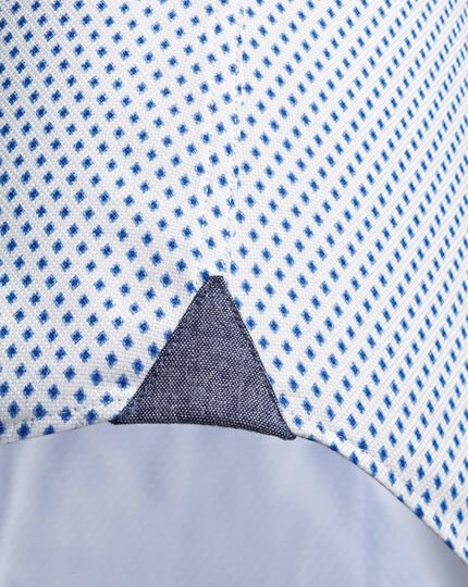Classic fit semi-spread collar business casual diamond print white and blue shirt