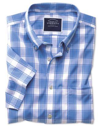 Bügelfreies Slim Fit Kurzarmhemd aus Popeline mit Button-down Kragen und Karos in Blau und Weiß