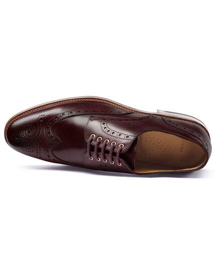 Budapester Derby-Schuhe mit Ösen in Dunkelrot