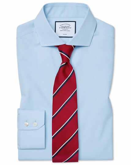 Hemelsblauw, strijkvrij natuurlijk fris overhemd met cut-away kraag en klassieke pasvorm