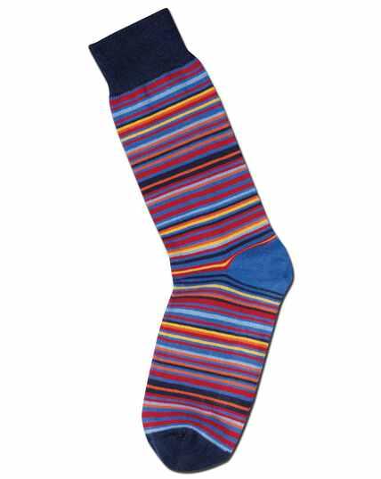 Chaussettes rouges à rayures multicolores