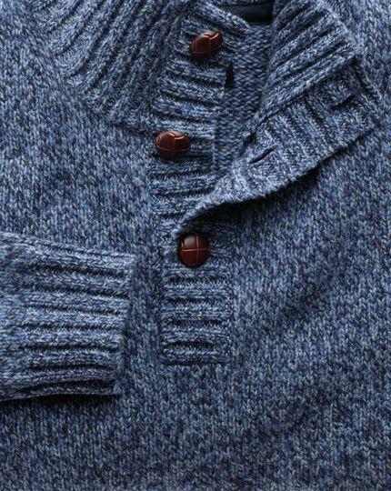 Pull bleu en mouliné à col boutonné