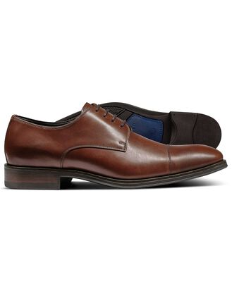 Brown performance Derby toe cap shoe