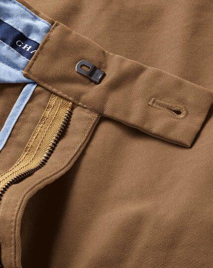 Pantalon chino camel coupe droite à devant plat