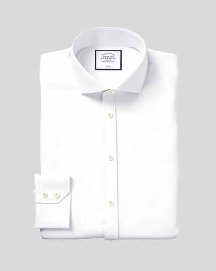Bügelfreies Hemd mit Haifischkragen und Fischgrätmuster  - Weiß