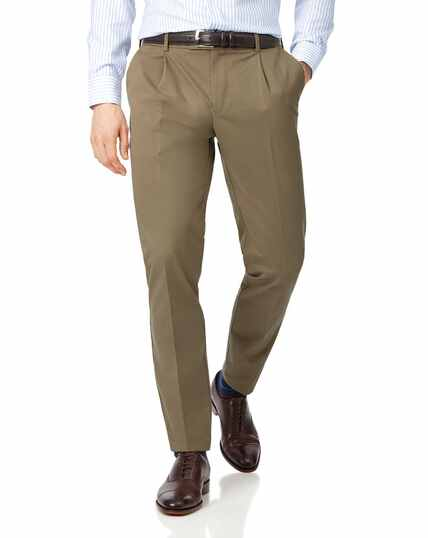 Fawn single pleat non-iron chinos