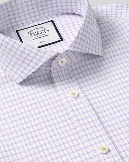 Bügelfreies Hemd aus Baumwolle mit TENCEL™ x REFIBRA Technologie, Haifischkragen und Karos - Lila
