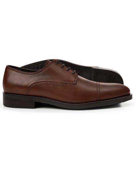 Performance-Derby-Schuhe mit Zehenkappe in Braun