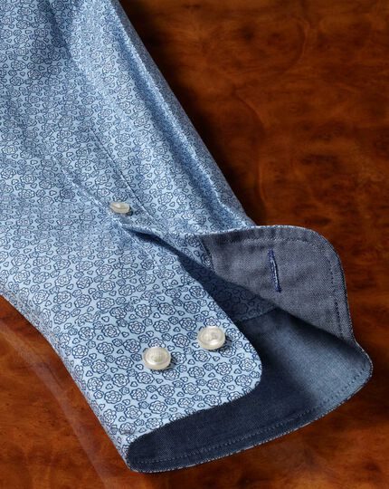 Slim fit non-iron poplin light blue floral print shirt