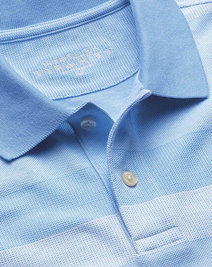 Polohemd mit Streifen in Himmelblau & Weiß