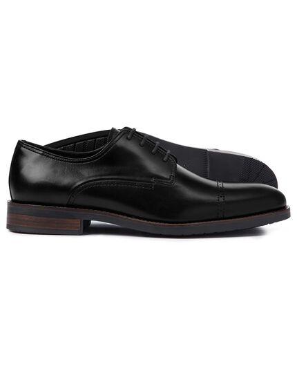 Performance-Derby-Schuhe mit Zehenkappe in Schwarz