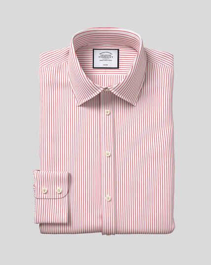 Bügelfreies Hemd aus Dobby-Gewebe mit Kent-Kragen und Streifen - Rot