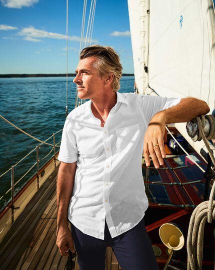 Chemise blanche unie en coton et lin slim fit à manches courtes