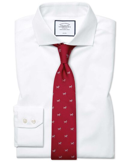 Bügelfreies Slim Fit Popeline-Hemd mit Haifischkragen in Weiß