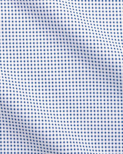 Slim fit semi-spread collar business casual white and navy spot shirt