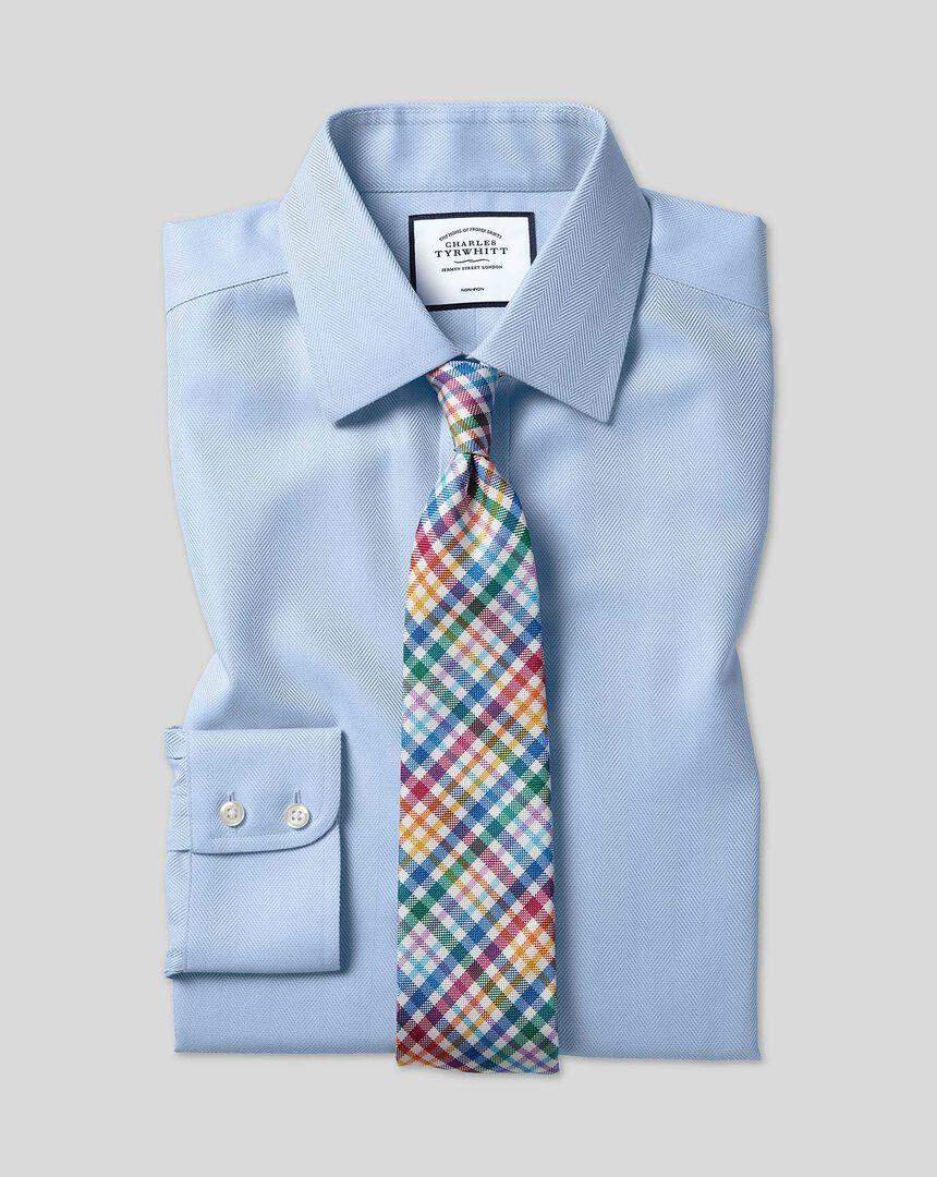 Bügelfreies Hemd mit Kent Kragen und Fischgrätmuster  - Himmelblau