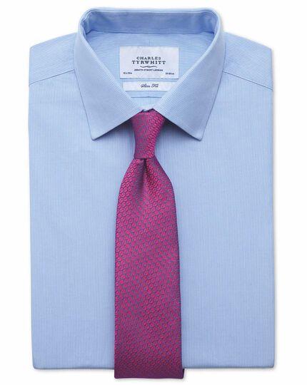 Classic Fit Hemd in Himmelblau mit feinen Streifen
