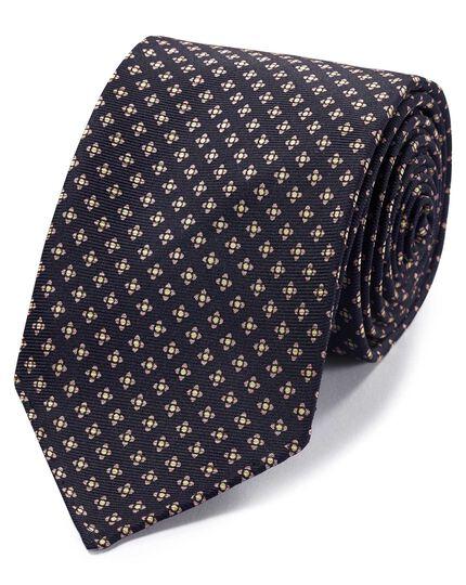 Handgerollte englische Luxuskrawatte Seide mit geometrischem Muster in Marineblau & Rosa