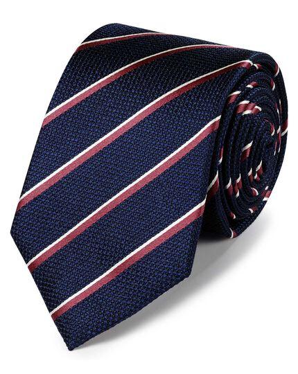 Klassische Krawatte aus Seide mit traditionellen Streifen in Marineblau und Korallenrot