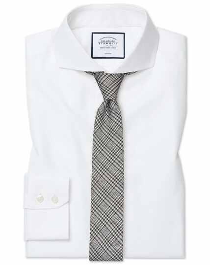 Extra slim fit white non-iron twill extreme cutaway collar shirt