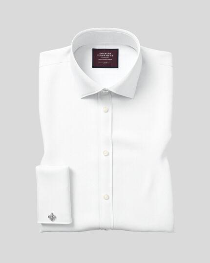 Slim Fit Twill-Luxushemd mit Semi-Haifischkragen in Weiß