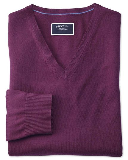 Pullover mit V-Ausschnitt aus Merino in Dunkelviolett