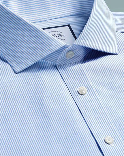 Bügelfreies Slim Fit Hemd mit Haifischkragen in Himmelblau mit Bengal-Streifen