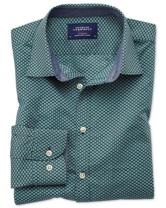 Chemise vert foncé à pois avec coupe droite