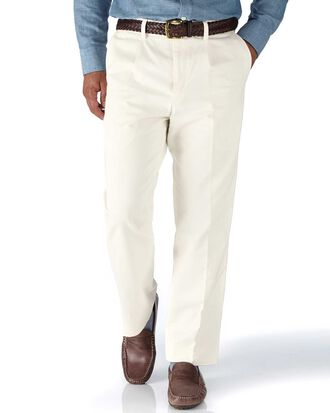 White classic fit single pleat weekend chinos
