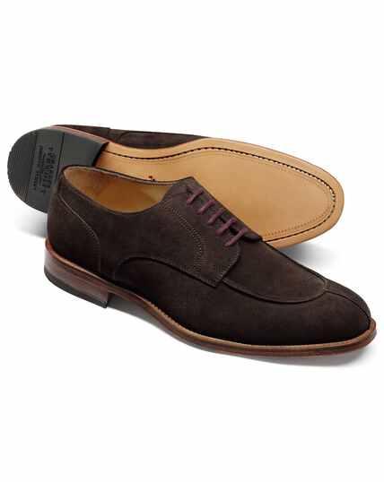 Derby-Schuhe mit schmaler Zehenpartie aus Veloursleder in Schokoladenbraun