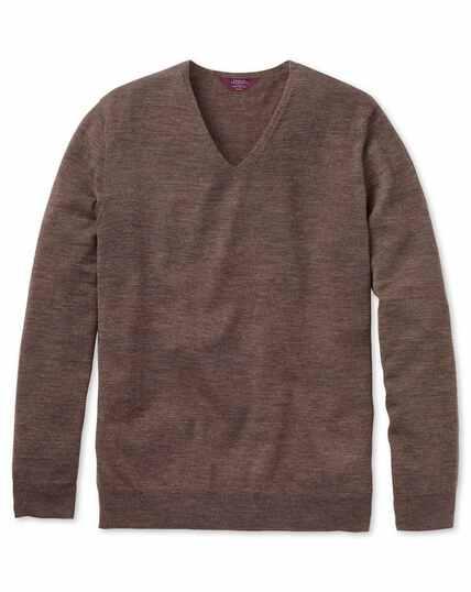 Pull marron en laine mérinos super fine à col V sans coutures