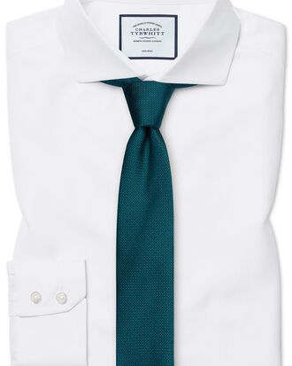Bügelfreies Extra Slim Fit Hemd mit Haifischkragen in Weiß mit Fischgrätmuster