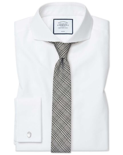 Extra slim fit white non-iron twill extreme cutaway collar shirt
