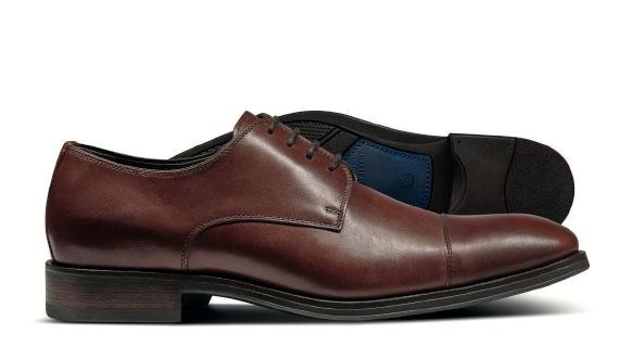 Brown performance Derby toe cap shoe